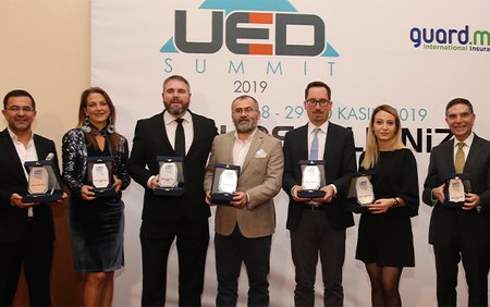 7 IALC Schools win UED agency Awards