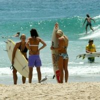 Learn English and surf in Byron Bay